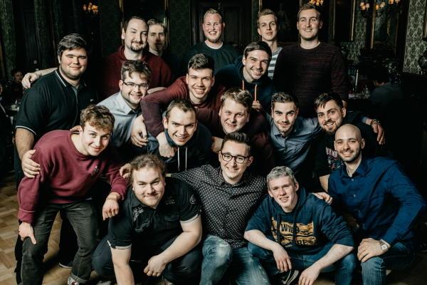 Unsere Zukunft - die Auszubildenden der AVMS GmbH