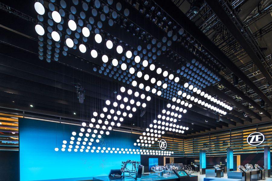 Kinetic-Lights-Electric-Sky-ZF-IAA-03-900x600