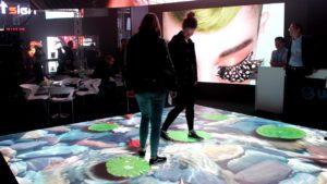 Interaktiver LED Boden Aquarium