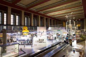 Living the City - Medieninstallationen im Flughafen Tempelhof